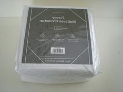 WEEKENDER Fitted Jersey Mattress Protector Choose Size