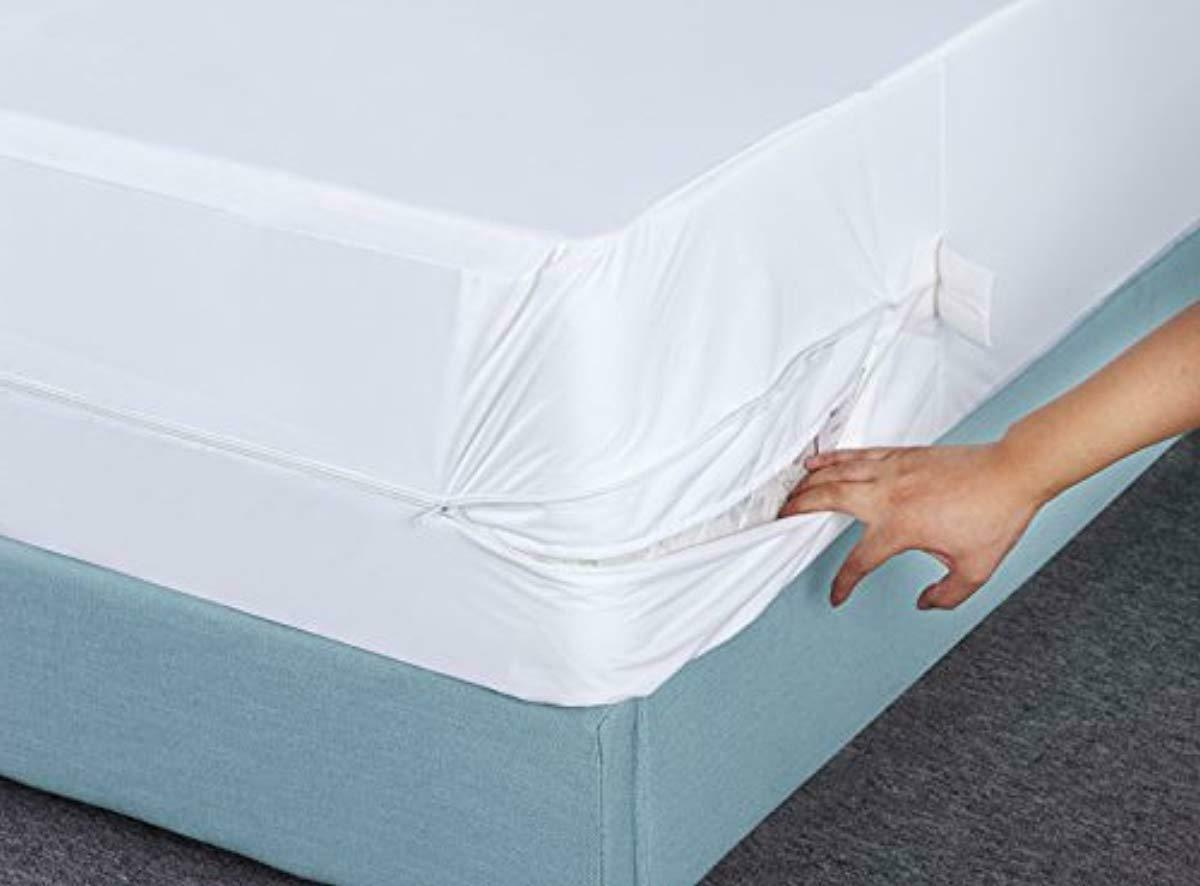 Utopia Bedding Cover Zippered Mattress Protector Bed Bug